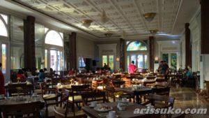 restaurant ramada suites solo